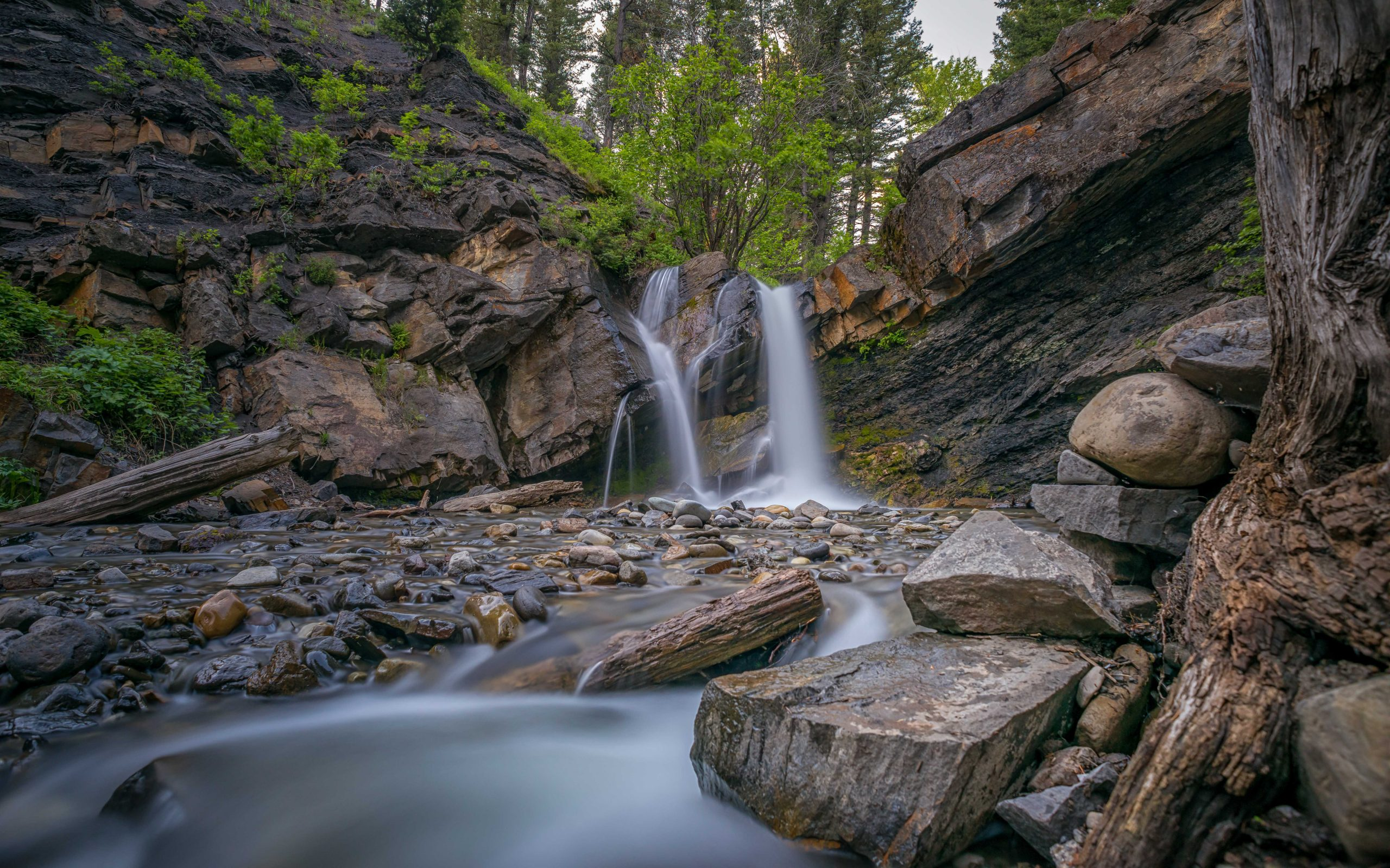 Rainbow Falls - Flumerfelt - Miner's Path